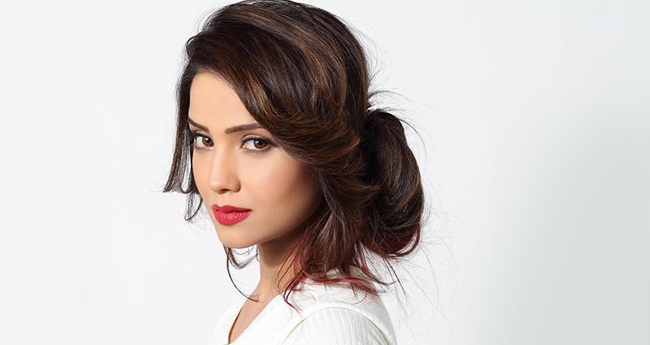 Naagin actress Adaa Khan Had A Very Terrible Experience While She Was In Love With Someone