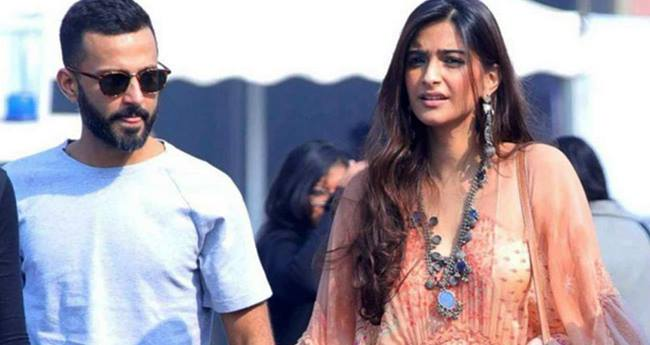 Before Anand Ahuja, Sonam Kapoor Dated Two Well-Known Personalities From The Glamour World