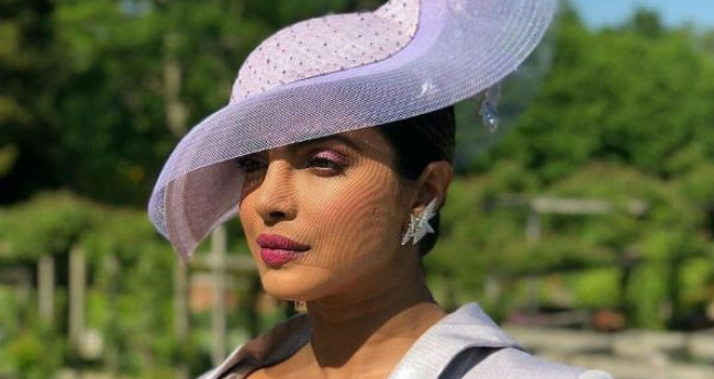 Pics  Priyanka Arrives At Royal Wedding 05c654e3da0