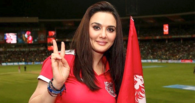 """Preity Zinta gives clarification after her video of taking a dig at Mumbai Indians goes viral; tweets """"Relax"""""""