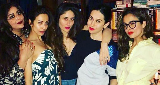 Kareena Kapoor Khan spotted partying with her real life 'Veeres' before the release of 'Veere Di Wedding'
