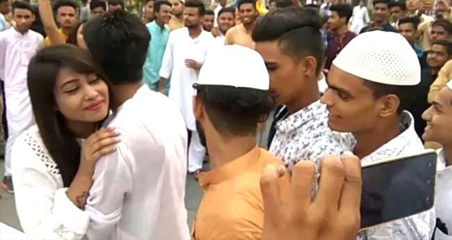Girl Has Unique Way Of Wishing Eid Mubarak, A Long Queue Of Men Wait To Hug Her