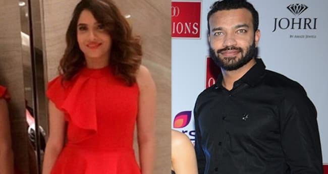 Confirmed! Sushant Singh Rajput's Ex-GF Ankita Lokhande Is Dating Vicky Jain