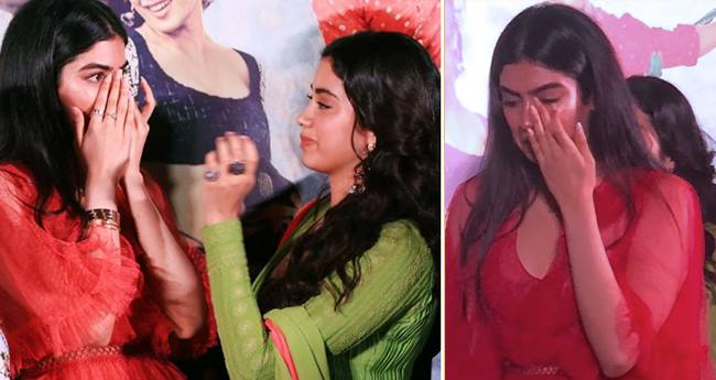 Khushi Breaks Down At The Trailer Launch Of Sister Janhvi's Dhadak