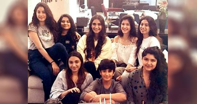 Sonam Kapoor Along With Her Girl-gang Enjoying Beyonce's Concert In London