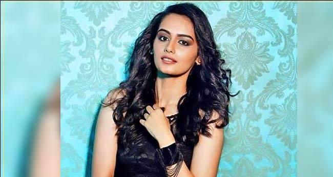 Miss India 2018: Manushi Chhillar In Silver Lehenga Flaunting Her Abs