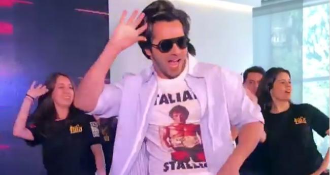 Varun Dhawan surprises crowd in Bangkok Mall by dancing on his hit tracks ahead of IIFA 2018