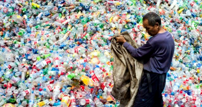 7 Countries That Produce The Most Plastic Waste In The World