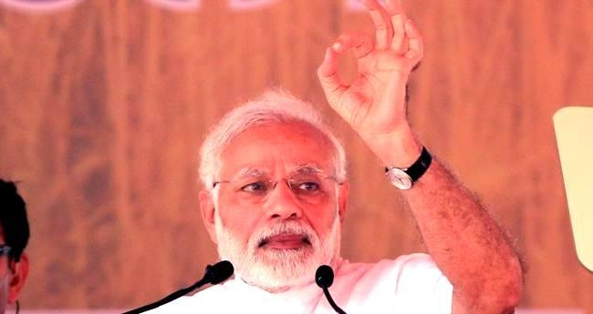 Twitter follows PM Modi's Swach Bharat Abhiyan, removes his 3 Lakh Followers