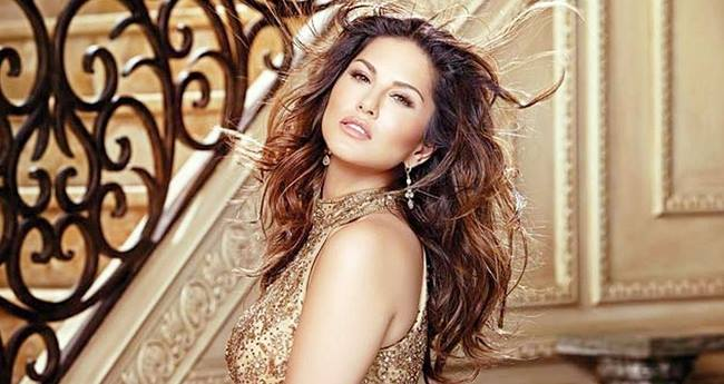 Sunny Leone Moves In Her New Apartment On The Auspicious Occasion Of Ganesh Chaturthi