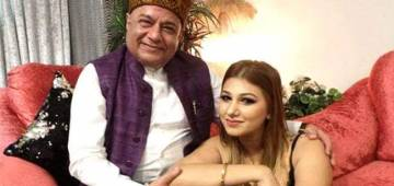 BB 12 Contestant And Singer Anup Jalota Is Dating Jasleen Matharu Who Is 37 Years Younger To Him