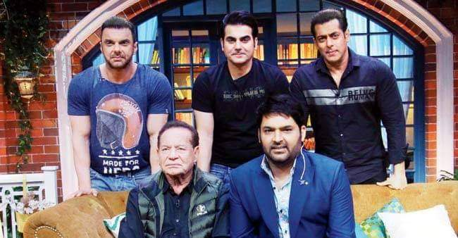 Salim Khan shows his entertaining side at TKSS, steals thunder from his sons