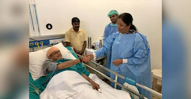 Nirmala Sitharaman heads towards hospital to meet Shashi Tharoor! Read inside