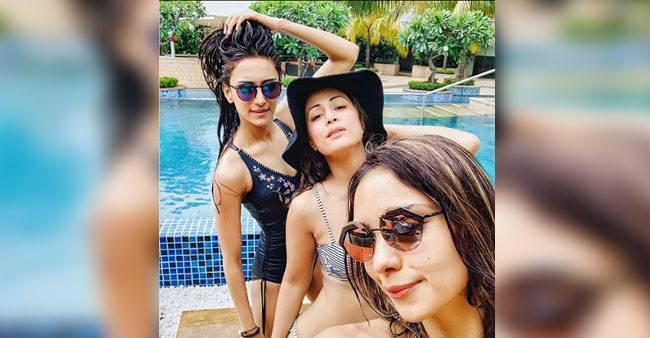 Kasautii Zindagii kay 2 witnesses a hot swim team on the set consist of Hina Khan, Erica Fernandes and Pooja Banerjee