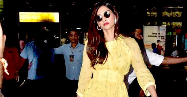 Sonam's loose dress and uncomfortable walk sets tongues wagging; rumors of her pregnancy all over
