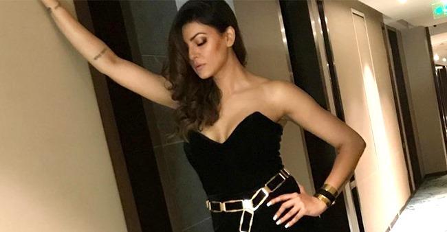 90's Sensation Sushmita Sen's new fitness video is creating a buzz on social media