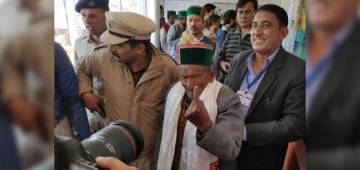 Elections 2019: India's first voter 102-YO Shyam Saran Negi casts his vote for 31st time