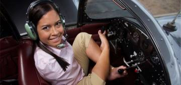 Meet the armless pilot Jessica Cox, an inspiration to all women in aviation