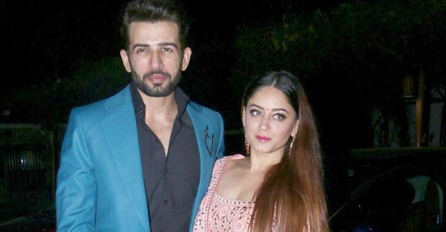 Jay Bhanushali with his pregnant wife Mahhi Vij were recently spotted at Theater