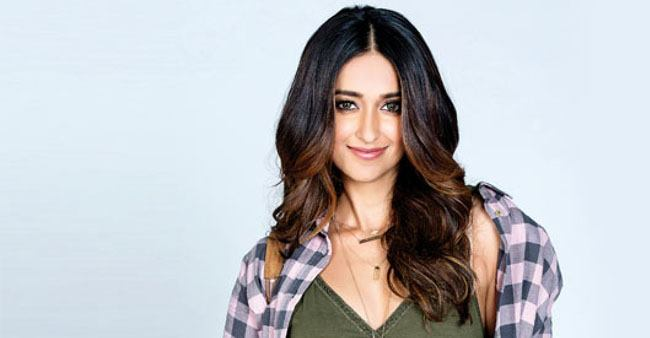 Ileana D' Cruz remains fit and healthy by following strict workout and diet plans