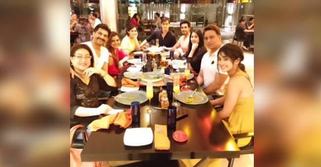 Tele ActorsMohsin Khan and Shivangi Joshi Spotted On A Dinner Date With Others