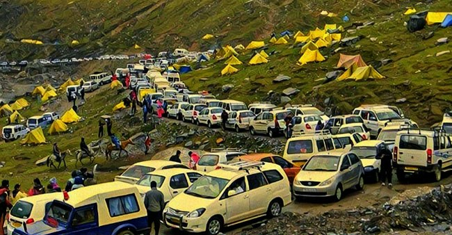 North India Tourists Visit Manali and Shimla Hill Stations, Returns Due to Heavy Crowd