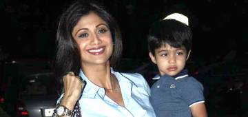 Shilpa Shetty enjoys Tiramisu with son amidst some violin music in Venice