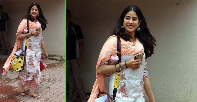 Janhvi Kapoor's peach printed kurta is just perfect for this Raksha Bandhan or family get-together