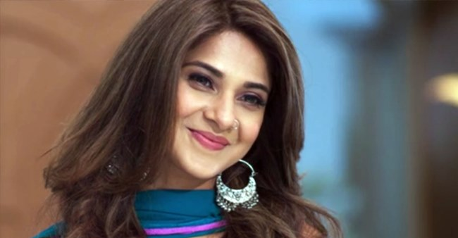 Jennifer Winget Wiki, age, Height, Weight, Boyfriend ...
