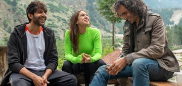 Actor Kartik Aaryan wept out at the last day of his upcoming Imtiaz Ali's 'Aaj Kal'