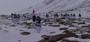 71st Republic Day: Indian Army and ITBP personnel salutes Tiranga in freezing temperature; Pics