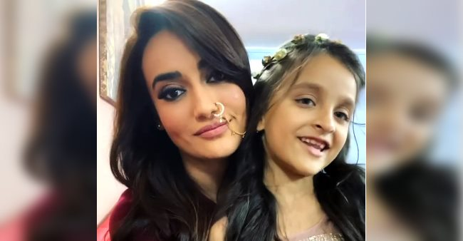 Surbhi Jyoti asks little fan to name her 'favorite naagin', her reply wins Surbhi's heart