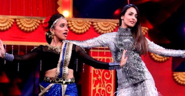 Malaika Arora flaunts her flawless dancing moves on Katrina's song 'Kamli'; Check out