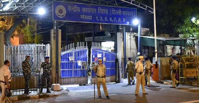 Nirbhaya incident convicts hardly slept and refused their last meal, say officials