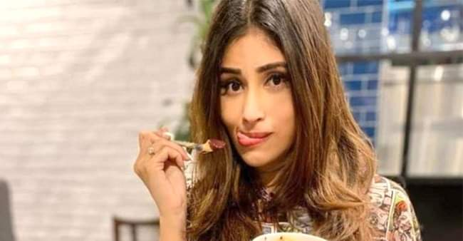 Mouni Roy relishes yummy ice cream at home during self-quarantine, shares picture on Instagram