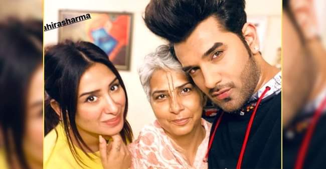 BB 13 fame Mahira Sharma meets Paras Chhabra's mother, picture goes viral on the internet