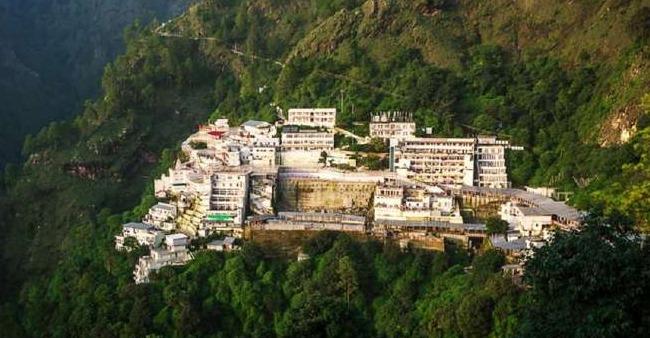 Vaishno Devi Shrine's Aashirwad Bhawan Is Providing Sehri & Iftari To 500 Muslims Amid Holy Month Of Ramadan