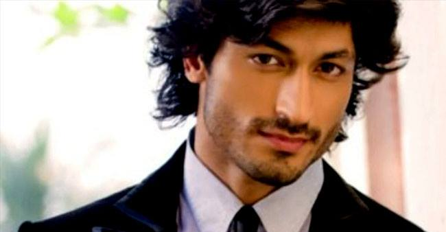 Commando fame Vidyut Jammwal's net worth shows he made it big despite not being from a film background