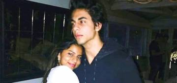 SRK's Kids Suhana & Aryan Look Awwwdorable In This Throwback Pic
