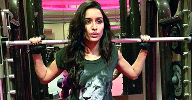 Shraddha Shares Her Virtual Fitness Training Video; Shows Gratitude Towards Her Fitness Gurus