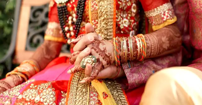 After groom ran from the wedding, bride marries a guest