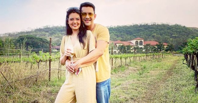 Aditya Narayan & Shweta Are Enjoying At Sula Vineyards, Singer Shares Pics From Their Trip