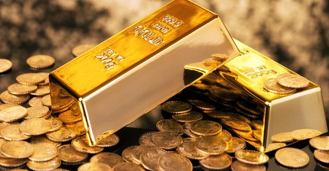 Experts Favour Buying Gold; Say 'Metal Is Supported By Weakness In Dollar & Hopes Of Stimulus From Biden'