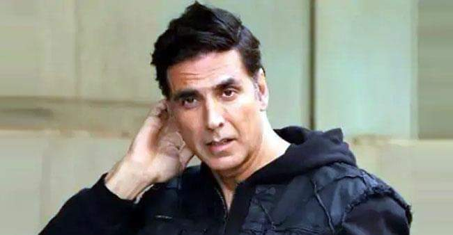 Akshay Kumar reveals the interesting reason behind his rejection by a first girl he dated , watch video
