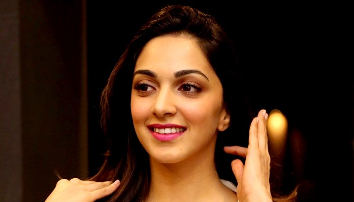 Kabir Singh Fame Kiara Advani Can't Live Without Her Handset; Read Story