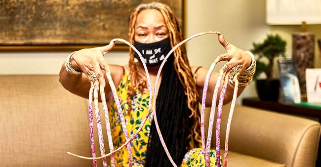 Texas Woman Holding Record For World's Longest Fingernails Cuts Them After 30 Years; Video Goes Viral