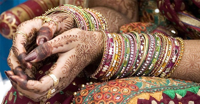 Bride From Punjab With Expensive Make-Up Gets Fined Rs 1000 For Not Wearing A Mask