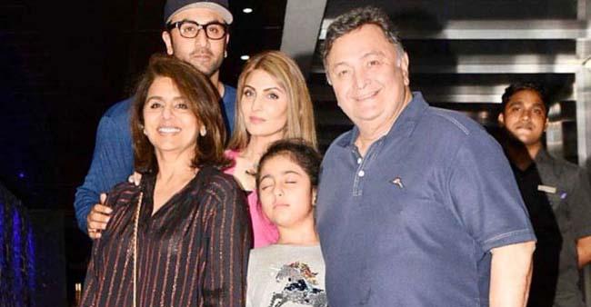 Late Actor Rishi Kapoor's Beautiful Moments With Wife Neetu and Children Ranbir and Riddhima