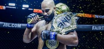 Histrory created: Arjan Bhullar, the first Indian-Origin fighter becomes World Heavyweight Champion