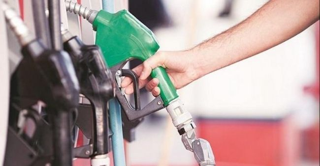 Petrol prices reach an all time high, crosses 100/litre in many states